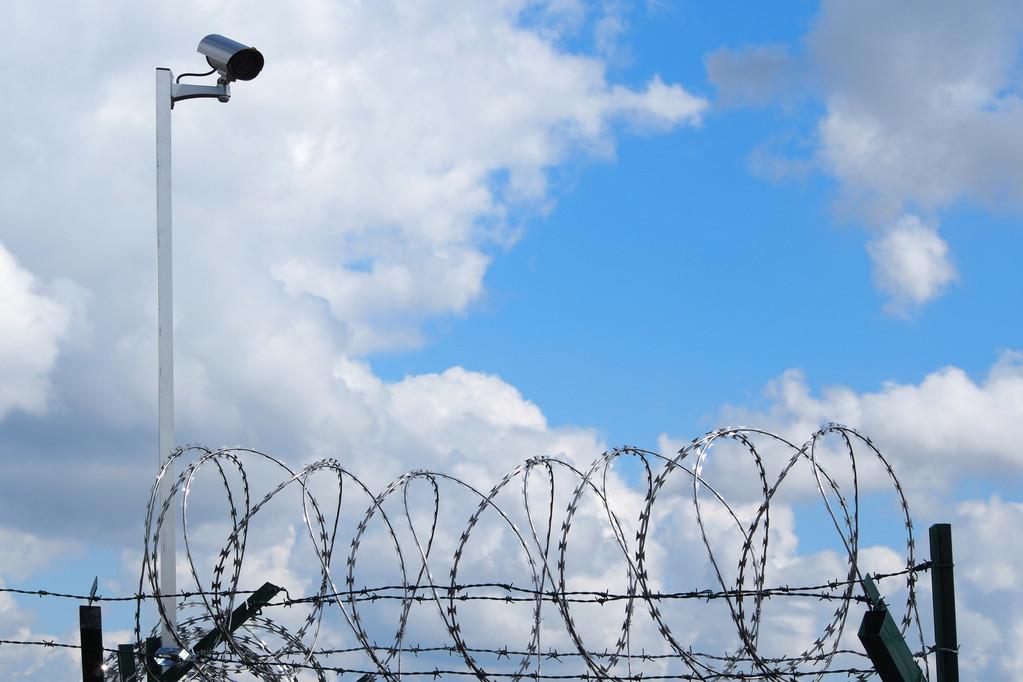 监狱实时人员定位_监控展示及异常报警一键定位解决方案