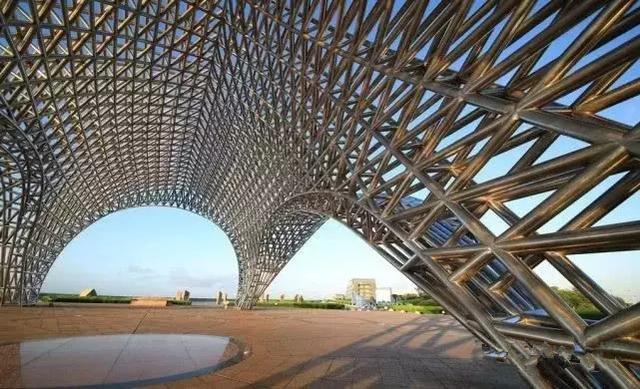 钢结构建筑的特点(新)